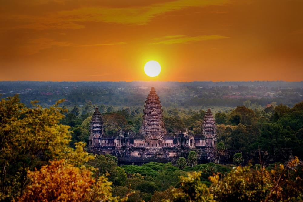 Sonnenuntergang in Angkor Wat (shutterstock Von Guitar photographer)