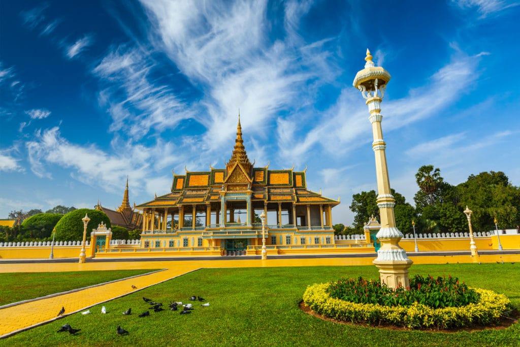 Besuch der Hauptstadt Phnom Penh, hier der Königspalast